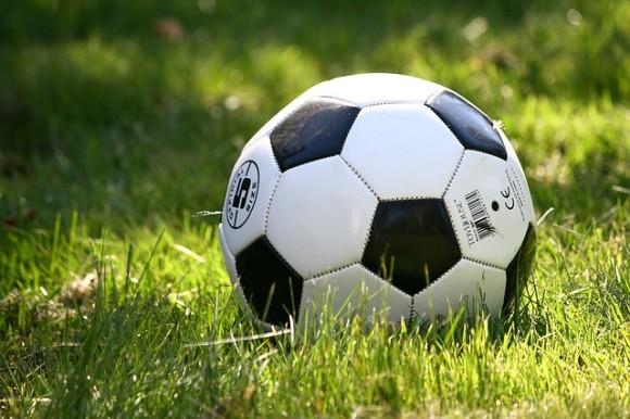 នៅប្រទេសជប៉ុនពេលនិយាយពីបាល់ទាត់គេហៅថា Football ឬ Soccer?