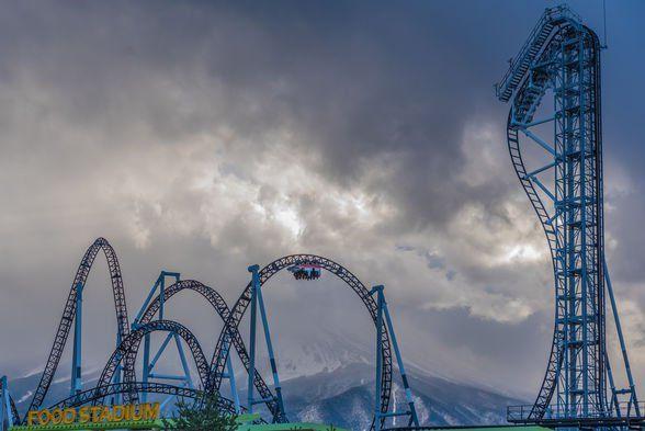 តើអ្នកធ្លាប់ជិះ Roller coaster ល្បែងកំសាន្តដ៏គួរអោយរន្ធត់បំផុតនៅជប៉ុនដែរឬទេ?