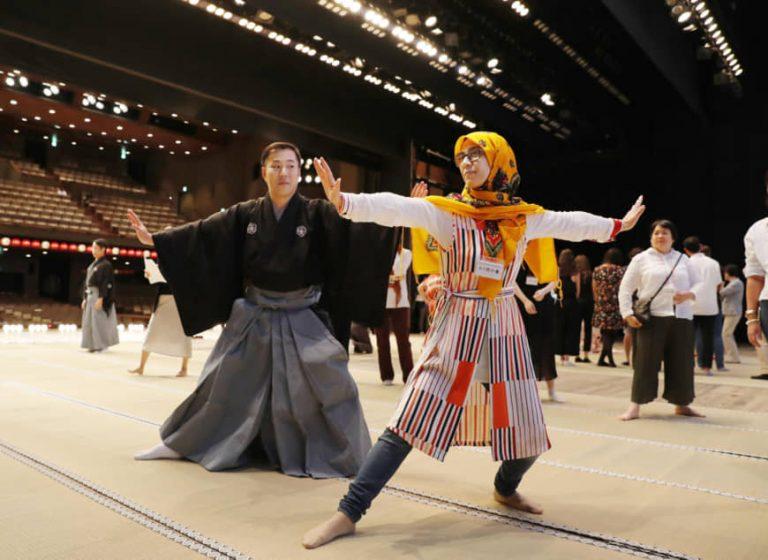 ការសម្តែងល្ខោន Kabuki សម្រាប់ភ្ញៀវទេចរណ៍បរទេសដែលមកចូលរួមព្រឹត្តិការណ៍កីឡាអូឡាំពិកទីក្រុងតូក្យូឆ្នាំ ២០២០