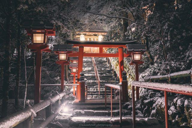 ភាពស្រស់ស្អាតនៃប្រាសាទបុរាណ Kyoto ក្រោមទិដ្ឋភាពព្រិលធ្លាក់