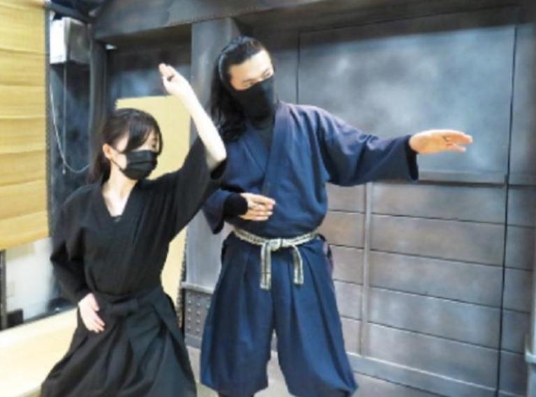វគ្គបណ្តុះបណ្តាលជំនាញ និងល្បិចរបស់ Ninja ក្នុងការប្រយុទ្ធ